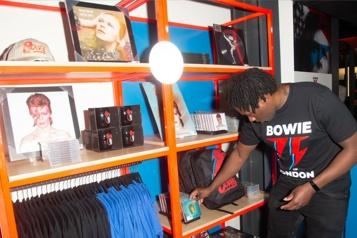 Une boutique temporaire dédiée à David Bowie ouvre à Londres
