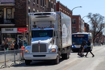 Trop de gros camions dans les rues de Montréal, dit Coderre
