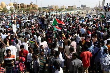 Soudan Les procivils mettent en garde contre «un coup d'État rampant»