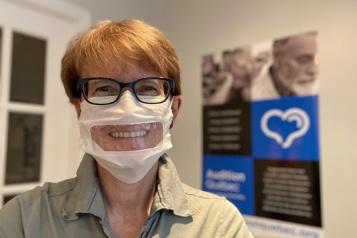 Personnes sourdes et malentendantes  Des organismes réclament des masques adaptés dans le réseau de la santé