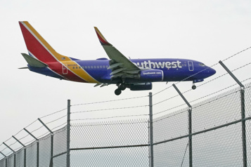 Southwest réduit le nombre de vols en raison d'un manque d'effectifs