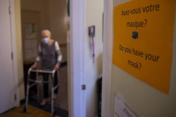 Résidences privées pour aînés  Campagne de troisième dose «désorganisée», retards pour le dépistage