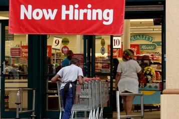 Les inscriptions au chômage poursuivent leur baisse aux États-Unis
