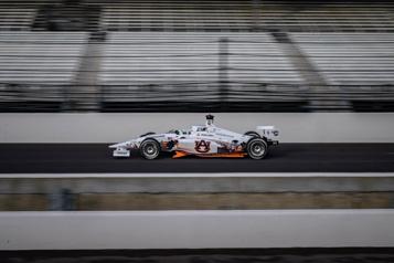 Des voitures de course autonomes écrivent l'histoire à Indianapolis