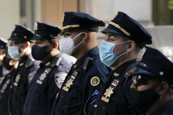 NewYork oblige ses policiers, pompiers et éboueurs è se faire vacciner