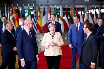 Pluie d'hommages pour Angela Merkel lors d'un sommet aux allures d'adieu