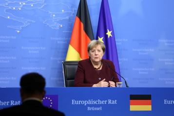 Merkel fait ses adieux à l'Europe en lançant un dernier avertissement