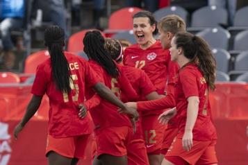 Tournée de célébration de la médaille d'or Les Canadiennes tropfortespour les Néo-Zélandaises