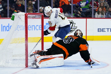 Les Panthers défont les Flyers4-2