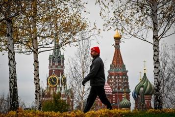 Flambée de COVID-19 Moscou ferme ses services non essentiels