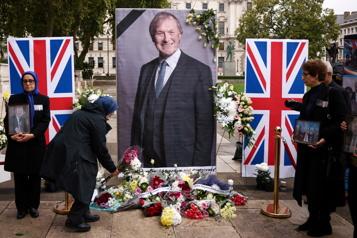 Député britannique tué Le suspect inculpé de meurtre et préparation d'actes terroristes