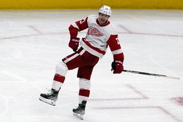 Un tour du chapeau de Raymond aide les Red Wings à gagner 6-3