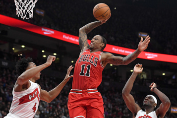 DeRozan aide les Bulls à vaincre les Raptors