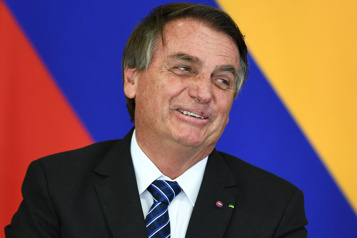 COVID-19 au Brésil Approbation d'un rapport accablant pour Jair Bolsonaro